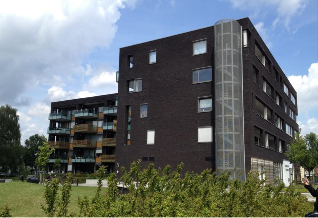 32 Appartementen Enschede met een commerciële ruimte en parkeergarage